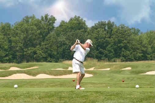 Golfing-in-Niagara1[1]