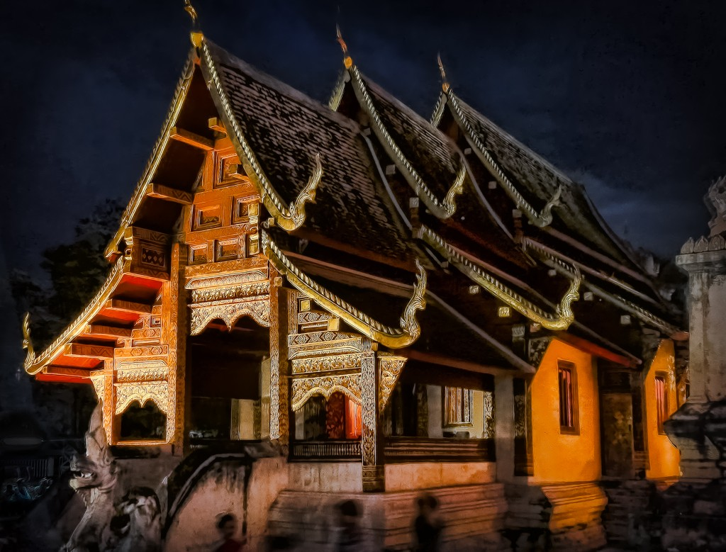 Wat by Night - Chaingmai Thailand