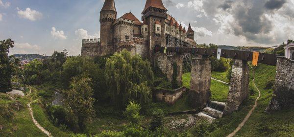 corvin-castle1