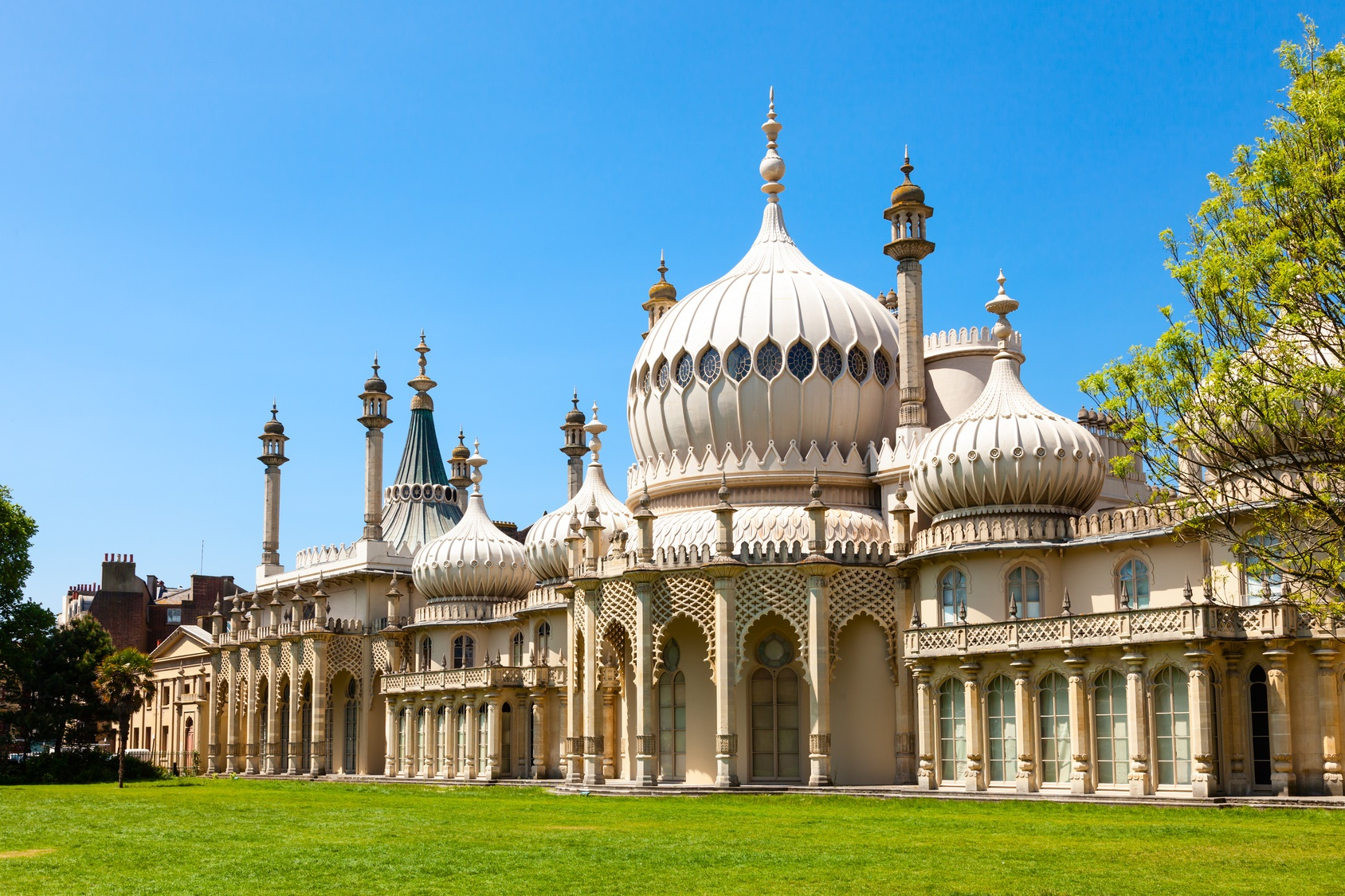 3 Beautiful Weekend Destinations Near London That You Have To Visit Team Nomad Travel Blog