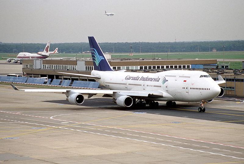 800px-112ad_-_Garuda_Indonesia_Boeing_747-4U3,_PK-GSH@FRA,04.10.2000_-_Flickr_-_Aero_Icarus